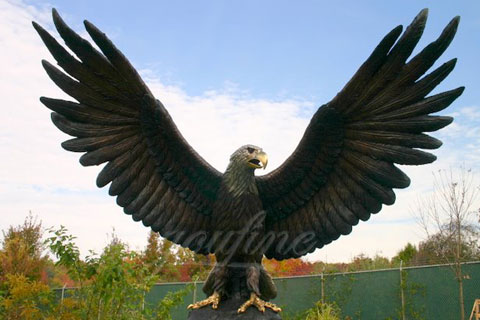 Decorative Bronze animal statues of eagle flying for outdoor