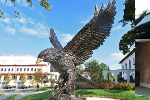 Large Casting Bronze animal statues of flying eagle for sale