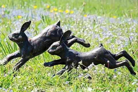 Purchase Life size bronze metal running rabbit sculpture for garden