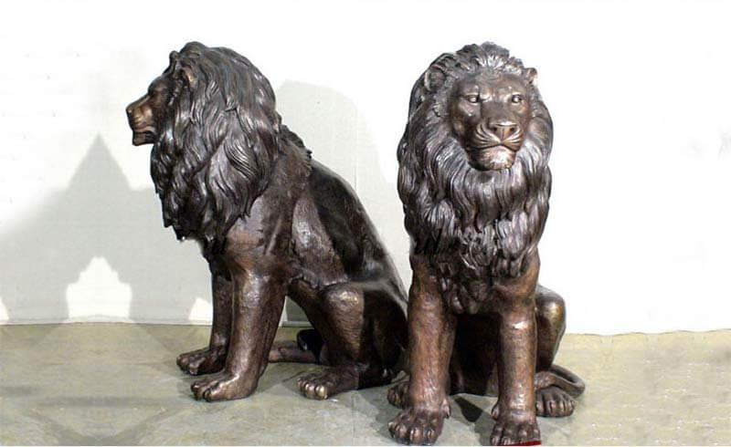 bronze-sitting-lion-sculpture
