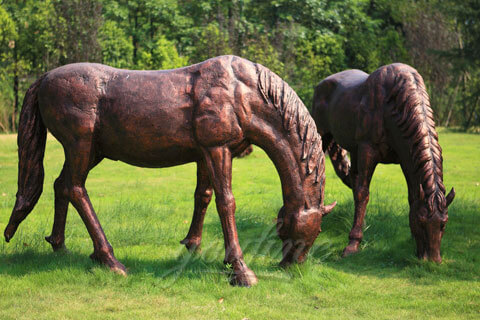 Life size metal bronze grazing horse statues to buy