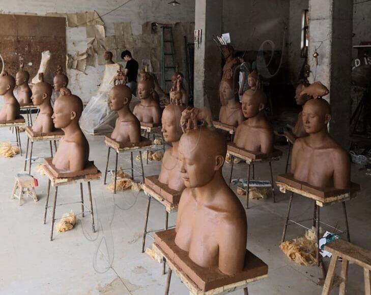statue-clay-model-studio