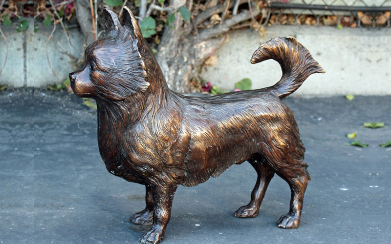 Famous Dog Antique Bronze Statues Life Size Bronze Pomeranian Statue for Backyard Decoration for sale