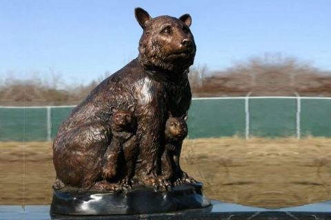 Outdoor Life Size Bronze Casting Momma Bear with Cubs Statue Wildlife Sculpture for Sale BOKK-676