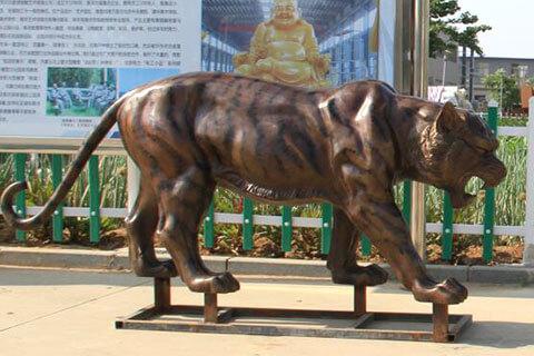 Life size bronze tiger sculpture animal wildlife statue for sale