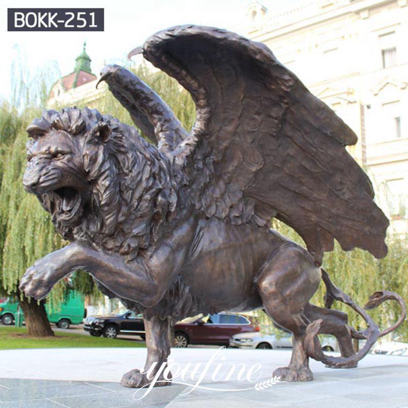 Outdoor Life Size Antique Bronze Flying Lion Statue Animal Sculpture for Front Gate BOKK-251 Details
