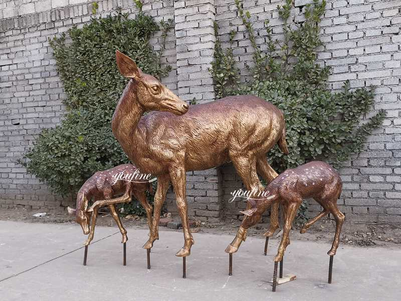 Life Size Bronze Deer Statues with Fawn Garden Statue for Sale BOK-220 Details