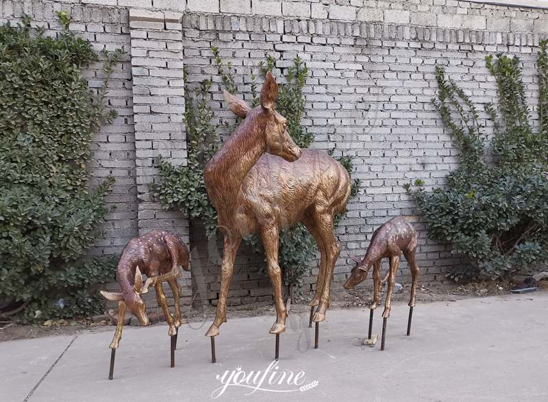 Life Size Bronze Deer Statues with Fawn Garden Statue for Sale Details
