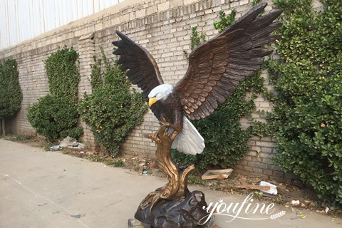 Large Bronze Bold Eagle on Rock Statue Yard Decor for Sale